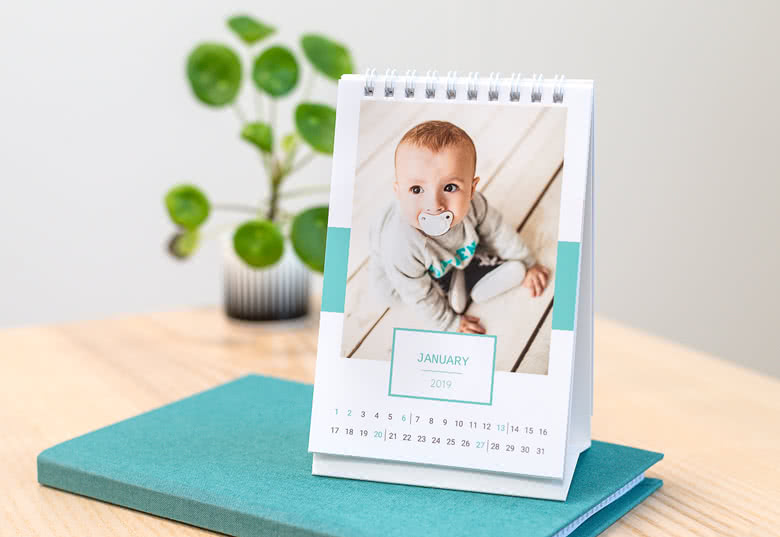 Desk Calendar Design Your Own : Personalised desk calendars make your own with photos
