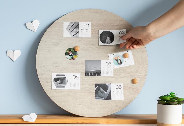 Create Magnetic calendar
