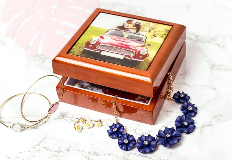 Create your own Jewelry Box