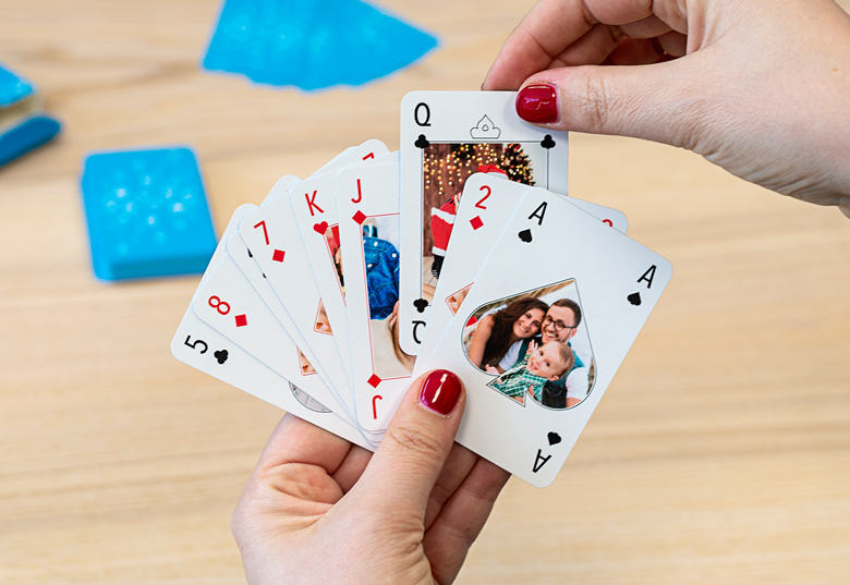 Spiele mit deinem personalisierten Kartenspiel