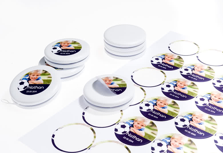 Yo-yos and stickers delivered separately
