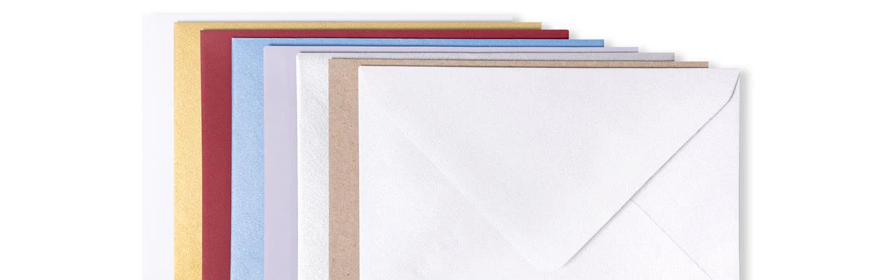 Deze kaartjes worden geleverd met gratis witte standaard enveloppen. Wil je graag een gekleurde, meer luxueuze of stevig witte enveloppe om jouw kaartjes te versturen? Selecteer dit dan hier.