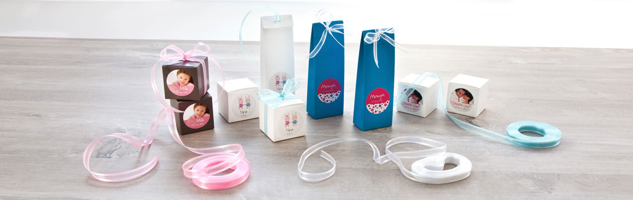 Refine your bags and boxes with a matching ribbon