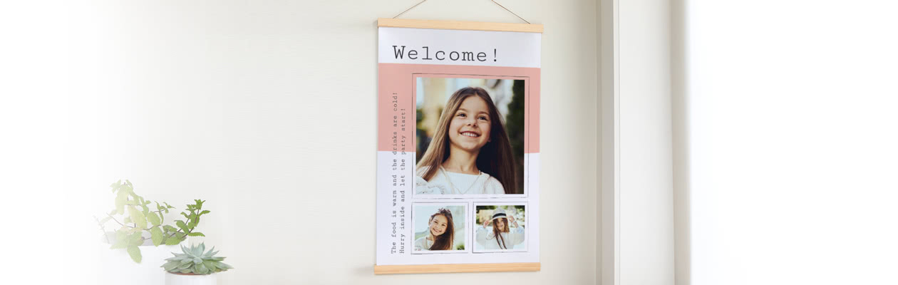 Hang up your Welcome poster in this beautiful Magnetic poster frame hanger
