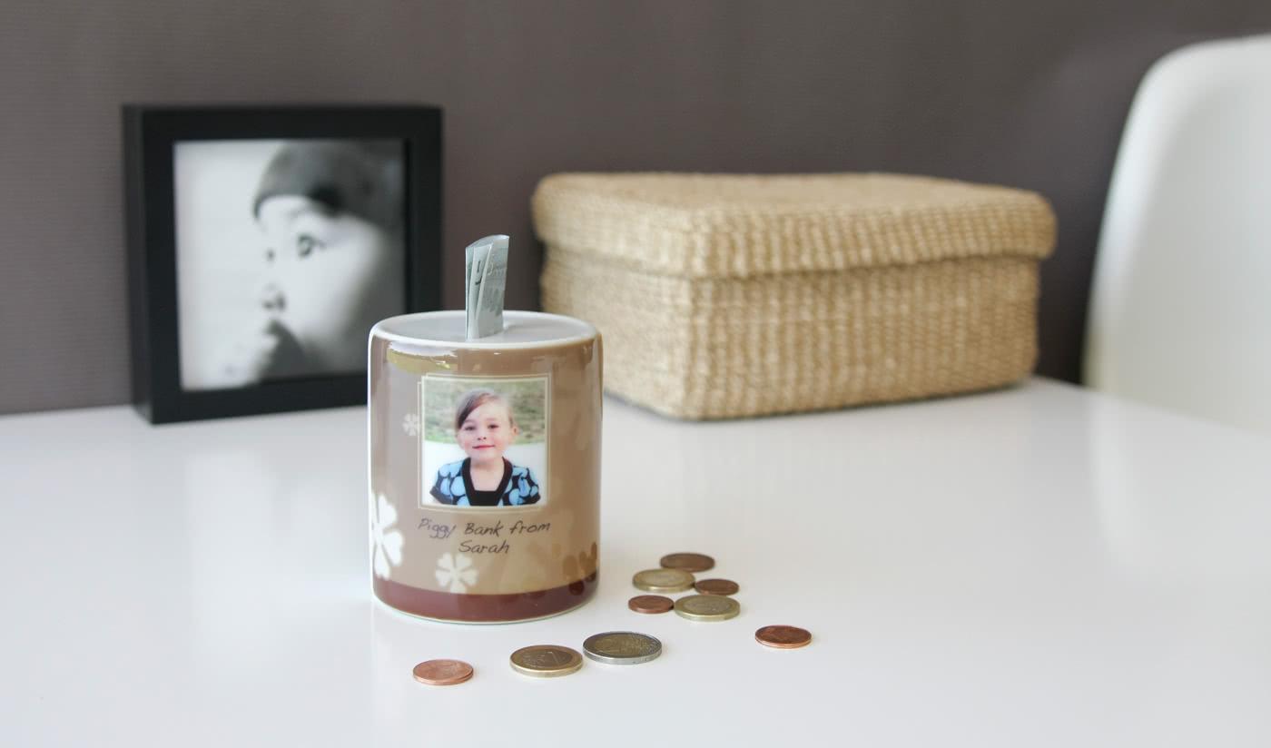 id e cadeau tirelire personnalis e avec photo smartphoto. Black Bedroom Furniture Sets. Home Design Ideas